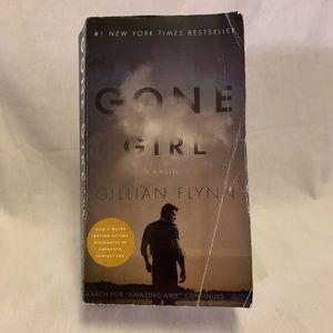 Other - Gone Girl Paperback Gillian Flynn